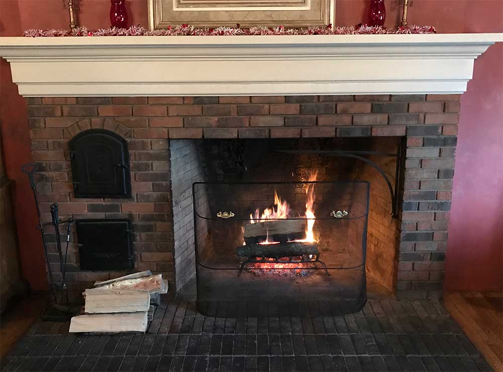 fireplace at The Fiddlers Three